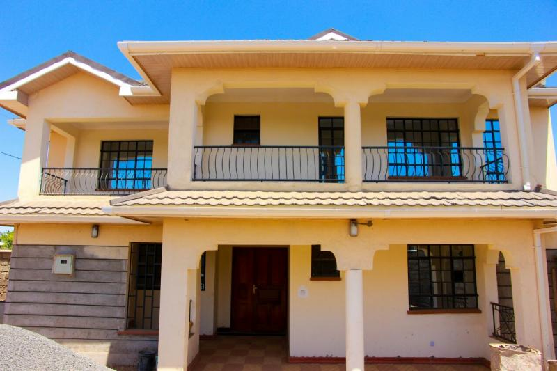 4 bedroom maisonette off mombasa road for Four bedroom maisonette plans